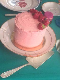 Strawberry cake home made