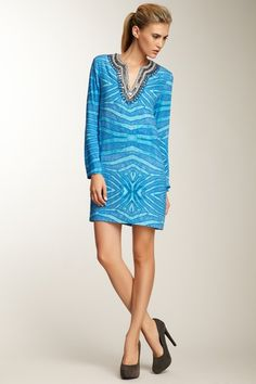 I see this, and I think of beach. love the dress, and love the beach.