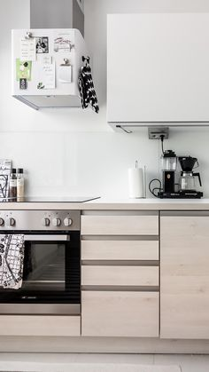 The magnetic kitchen hood is the perfect place to store your favourite recipes! Scandinavian Kitchen, Scandinavian Style, Kitchen Hoods, Kitchen Cabinets, Perfect Place, The Good Place, Kitchen Styling, Favorite Recipes, Eye