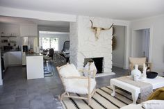 Home to a number of talented interior designers, The LuxPad has created a roundup of some of the best interior designers in North Carolina… Custom Home Plans, Custom Homes, Best Interior Design Blogs, Four Rooms, Artwork For Home, Architect House, Blog Deco, Design Studio, Decorating Blogs