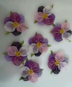 This Pin was discovered by Zül Needle Lace, Bobbin Lace, Crochet Doilies, Crochet Flowers, Exploding Box Template, Knitting Patterns Free, Crochet Patterns, Lace Art, Point Lace