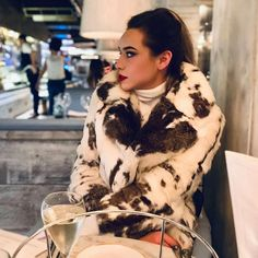 """Jen auf Instagram: """"Rabbit FUR is the most underrated fur ever. My first fur coat was a rabbit skin coat and I knew from the moment I wore it how much I was…"""" Rabbit Fur, Fur Coat, How To Wear, Instagram, Fashion, Fur Coats, Moda, Fashion Styles, Fashion Illustrations"""
