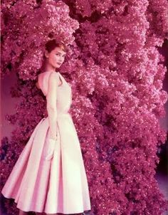 audrey hepburn wearing a pink 1950's dress? could this picture be any more beautiful?