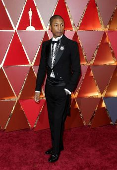 Pharrell Williams at the Oscars Runway Fashion, Fashion Models, Fashion Show, Fashion Tips, Fashion Design, Fashion Trends, Editorial Photography, Fashion Photography, Photography Magazine