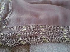 İğne oyası çember oyası Yemeni kenarı Point Lace, Crochet Borders, Needle Lace, Lace Making, Needlepoint, Tatting, Embroidery Designs, Needlework, Diy And Crafts