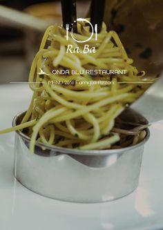 Onda Blu Restaurant  Il ristorante Onda Blu offre una vasta carta di piatti di tradizione locale e nazionale ed una pizza preparata con ingredienti 100 per cento MADE IN ITALY.