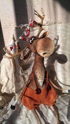🌸🌸🌸Michele Pires🌸🌸🌸's media statistics and analytics Penguin Craft, Reindeer Craft, Red Nosed Reindeer, Reindeer Ornaments, Christmas Ornament Crafts, Christmas Art, Craft Stick Crafts, Crafts To Do, Paper Clay