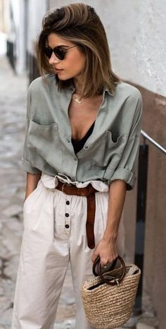 38 Affordable Boho Spring Outfits Ideas The Boho fashion is now becoming really popular. The style draws influences from bohemian and hippie styles. Edgy Outfits, Casual Summer Outfits, Mode Outfits, Fashion Outfits, Boho Spring Outfits, Hipster Outfits, Summer Dresses, Pretty Outfits, Fashion Clothes