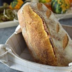 Sourdough with Corn Flour, Sun-Dried Tomatoes and Black Olives / Царевичен хляб с квас, сушени домати и черни маслини.
