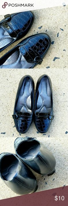 Pierre Dumas Loafers Great condition Pierre Dumas Shoes Flats & Loafers