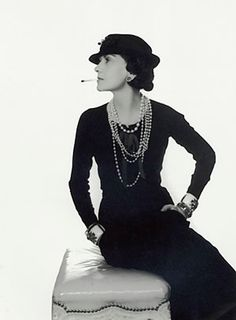 The Flying Room — 2012 runway trend, Fashion in 1920s, 20s style, vintage fashion, flappers dresses, thigh-high stockings, clouche hats, Coco Chanel, Paul Poiret, Jeanne Lanvin