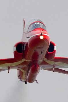 Keith Campbell @captureasecond  Red Arrows - up close and personal
