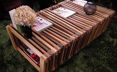 O processo de bricolagem que deu origem à mesa de centro foi a solução ideal para aproveitar as ripas de madeira. Na Leroy Merlin . Foto: Bruna Bessi, iG São Paulo