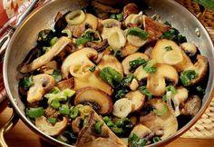 Ciuperci cu ceapă la tigaie | Click! Pofta Buna!