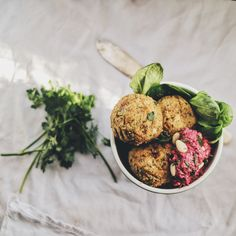 Delicious snack of chickpea fritters with beetroot hummus on a bed of watercress, to serve in a handy pot and bring to the office.