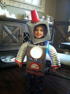 DIY robot costume; homemade robot for Halloween