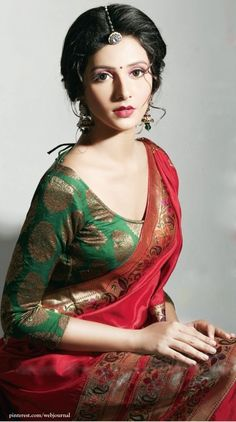Looking for best blouse design for your lehenga or saree blouse? We bring you a list of beautiful lehenga blouse designs ideas for the bride that you can carry with latest style. Saris, Ethnic Fashion, Indian Fashion, Indian Dresses, Indian Outfits, Designer Saree Blouses, Anarkali, Lehenga, Beauty And Fashion