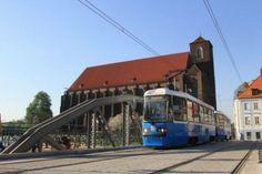 mosty Młyńskie, w tle kościół Najświętszej Marii Panny na piasku Bridge Engineering, Light Rail, Bridges, Poland, Mario, Around The Worlds, City, Cities