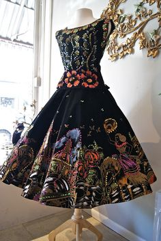 I love interesting clothes!!! 1950s vintage Mexican dress. Wow! Gorge!