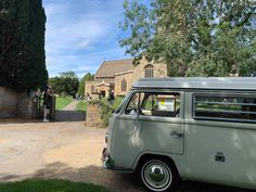 We couldn't believe it when we arrived with the bridal party at the same church featured in Downton Abbey! Literally so obsessed! Who else has had their wedding here? Bampton in Oxfordshire Wedding Hire, Vintage Weddings, East Sussex, Vw Camper, Downton Abbey, Surrey, Hampshire, Pearl, Bridal