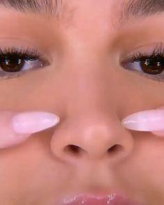 Face Contouring Makeup, Nose Makeup, Edgy Makeup, Contouring And Highlighting, Blush Makeup, Nose Contour Brush, Powder Contour, Cream Contour, Makeup Videos