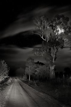 Night / Road / Black and White Photography Constellations, Landscape Photography, Art Photography, Ciel Nocturne, Dark Places, Light And Shadow, Black And White Photography, Dark Side, Creepy