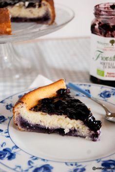 Torta di ricotta con marmellata di mirtilli neri - Ricotta Cake with bluberry jam