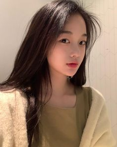 Korean Beauty Girls, Pretty Korean Girls, Cute Korean Girl, Korean Girl Fashion, Cute Asian Girls, Asian Beauty, Ulzzang Makeup Tutorial, Teen Girl Photography, Very Pretty Girl
