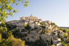From Roman marvels, the Pope's Palace in Avignon, and national parks discover the top 10 sites in Provence. Stuff To Do, Things To Do, Provence France, Taj Mahal, National Parks, Louvre, Europe, Building, Travel