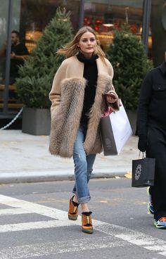 Olivia Palermo Shopping in Soho - December 2016