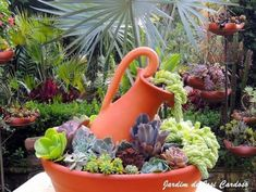 30 Amazing DIY ideas for decorating your garden uniquely 30 Amazing DIY ideas for decorating your garden uniquely Look how nice it is. We brought amazing DIY ideas to decorate the garden. They are wonderful ideas that can transform the garden decoration … Succulents In Containers, Cacti And Succulents, Planting Succulents, Planting Flowers, Cactus Plants, Succulent Gardening, Garden Planters, Container Gardening, Ideas For Planters