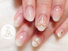 "White elegant heart nail art - 麻布十番 オッターヴァ・アルタ (@nails_8va) on Instagram: ""ホワイトラメグラデ✨ . お問合せはプロフィール欄より専用ページへお願い致します。 #ignails #nail #nails #nailart #nailaddict #naildesign…"""