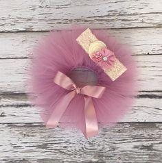 Newborn tutu. Baby girl tutu set. Pink tutu. by KadeesKloset #newborn #infant #babygirl #tutu