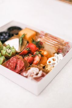 DIY charcuterie box: Recipients get an unassembled charcuterie box and they copy the mood board or they're free to style it the way they like. 💗 Ideal for corporate virtual events, and ideal gift for any occasion. Here are the easiest ways to place your orders:  💻 floralbash.ca 💌 hi@floralbash.ca ☎️ 416-939-0133  Online Gift Shop, Online Gifts, Graze Box, Food Service, Savoury Dishes, Luxury Gifts, Charcuterie, Catering, Restaurants