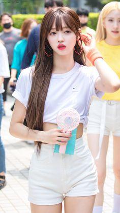 Kpop Outfits, Korean Outfits, Cute Outfits, Kpop Girl Groups, Kpop Girls, Oh My Girl Yooa, Kpop Girl Bands, Girls Twitter, Get Skinny Legs