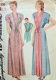 Softly feminine Robe or Housecoat with dainty ruffles or contrasting panels. So Vintage Patterns. Vintage Outfits, 50s Outfits, Vintage Dresses, Lingerie Patterns, Vintage Dress Patterns, Clothing Patterns, 1940s Fashion, Fashion Sewing, Vintage Fashion