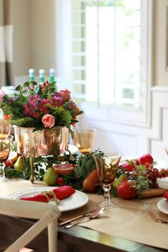Thanksgiving Table – Bright & Bold- Look at the copper pot filled with fresh flowers.  LOVE