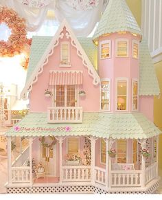 🌸Adding some miniatures to my dollhouse🌸😊🏠 Pink Dollhouse, Dollhouse Dolls, Dollhouse Miniatures, Dollhouse Ideas, Vitrine Miniature, Miniature Houses, Miniature Dolls, Miniature Furniture, Dollhouse Furniture