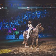 Kacey Musgraves put on one heck of a show at the Houston Livestock Show and Rodeo! it was a show that Houston will never forget! Houston Rodeo, Kacey Musgraves, Country Artists, Music People, Texans, Role Models, Homecoming, My Girl, Photo And Video