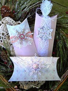 Try these creative ideas for packing and presenting holiday gifts and Christmas Gift Ideas a seasonal makeover of a plain pillow box as a Single Mold Shabby Chic Christmas, Pink Christmas, Christmas Crafts, Christmas Pillow, Handmade Christmas, Toilet Paper Roll Crafts, Paper Crafts, Gift Baskets For Men, Creative Box