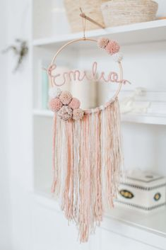 Dreamy boho wall decorations for the kids room Vivien from Momo und Carla makes these adorable boho wall decorations for the kids room. And I cannot decide which one I love most. - Dreamy boho wall decorations for the kids room - Paul & Paula Baby Room Decor, Diy Wall Decor, Wall Decorations, Diy Room Decor For Girls, Name Wall Decor, Diy Nursery Decor, Name Wall Art, Room Baby, Diy Decoration