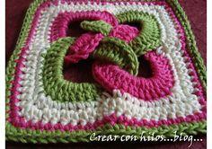 What a beautiful crochet design. Crochet Potholders, Crochet Motifs, Crochet Quilt, Crochet Blocks, Crochet Squares, Love Crochet, Crochet Granny, Beautiful Crochet, Crochet Yarn