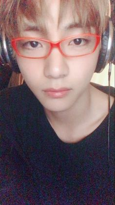 Tae-tae and his red frame glasses