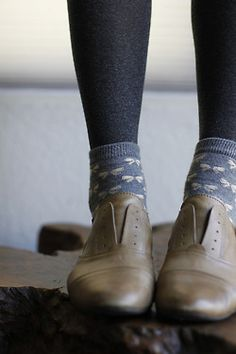 Love the Oxfords with patterned socks over leggings.