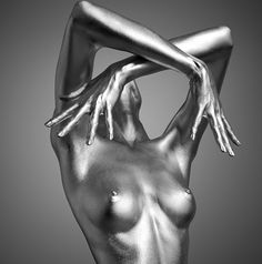Juxtapoz Magazine - Guido Argentini's Silver Series of Nude Portraits Art And Illustration, Illustrations, Nude Portrait, Human Art, Sexy Body, Fine Art Photography, Photography Ideas, Human Body, Body Art