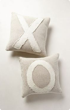 """""""X"""" and """"O"""" Valentine's Pillows Knock Off Anthro Pillows!"""