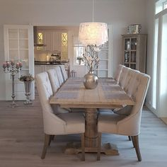 44 Fantastic Dining Room Decoration Ideas You can find Dining room design and more on our Fantastic Di. Dining Room Table Decor, Elegant Dining Room, Dining Room Design, Dining Room Furniture, Living Room Decor, Dining Rooms, Dinning Room Ideas, Dining Room Inspiration, Küchen Design