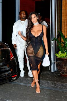 Kardashian dress pictures khloe porn blow wind hot
