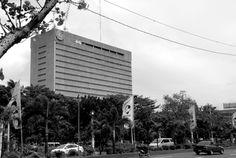 Bangko sentral ng Pilipinas Architect: Gabriel Formoso Filipino Architecture, Philippine Architecture, Gabriel, Manila, Architects, Skyscraper, Multi Story Building, Archangel Gabriel, Skyscrapers