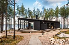 Modern Cabin in Finland Bungalow, Summer Cabins, Casas Containers, Black House, Future House, Modern Architecture, Tiny House, Building A House, House Plans
